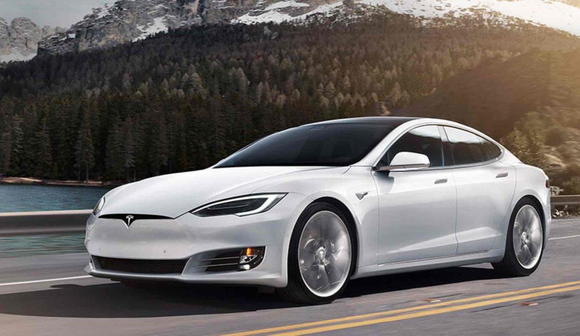 Faire du camping en Tesla