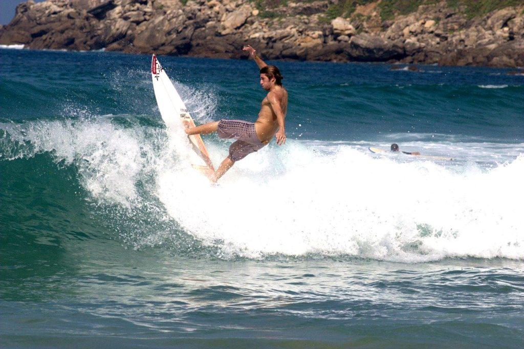 Surf Zurriola San sébastian visite guide