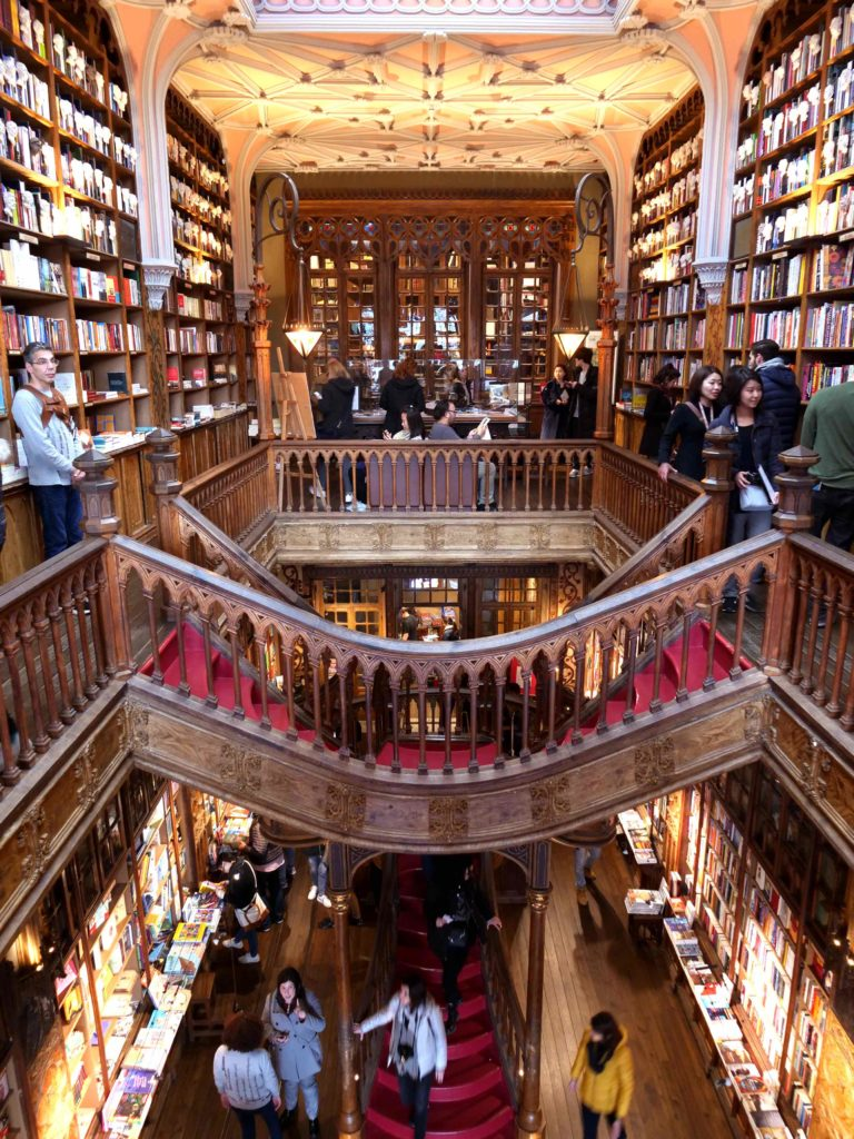 Porto Librairie Lello vue interieur